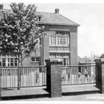 De openbare lagere school aan de Dorpsstraat (Historisch Genootschap Oud Soetermeer)