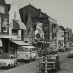 Portugeese Keitjes in de Dorpsstraat (Digitale ansichtkaart, 50 jaar groeistad)