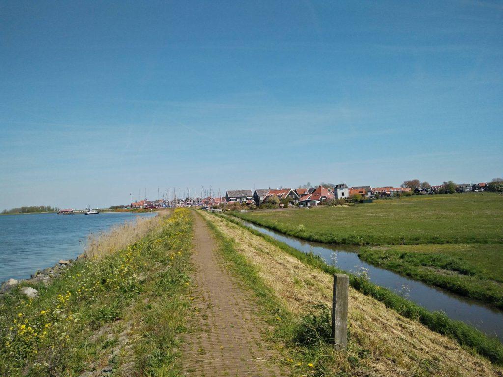 Een heel fraai uitzicht op de haven van Marken.