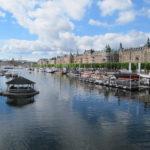 In Stockholm zijn meerdere stukken haven, maar dit is een erg fraaie, ook vanwege de hele grote en mooie huizen op de achtergrond.