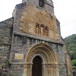 Dit is de voorkant van een, helaas gesloten, maar wel zeer fraaie kerk.