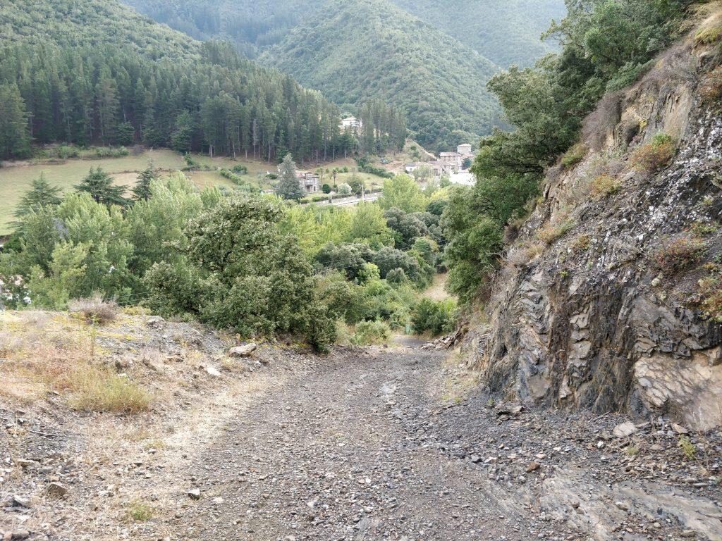 Dit ziet er wel uit als een leuk pad, maar het was wel vergeven van de hondendrollen.