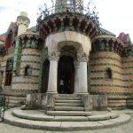 El Capricho de Gaudi is niet zomaar een mooi gebouwtje. Het is werkelijk fantastisch.