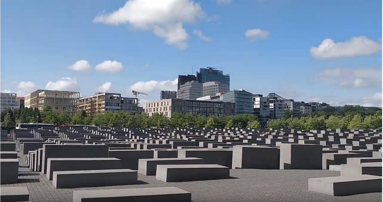 Afspeellijst Berlijn 2019 [Klik op de foto om de video's te bekijken]