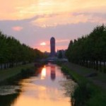 Zonsondergang bij de watertoren (Pim van Delft)