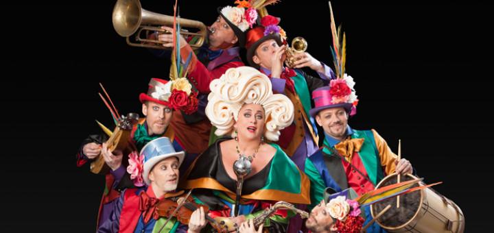 Cirque Stiletto 3 - Karin Bloemen en Wëreldbänd