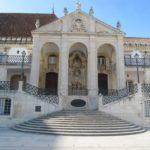 In Coimbra staat de Universiteit dat vroeger een koninklijk paleis was.