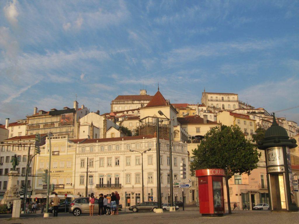 Coimbra is gewoon een hele fraaie stad, gebouwd op een heuvel.