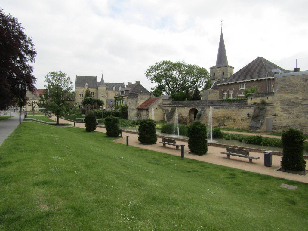 Door dit mooie parkje in Valkenburg liepen aan het begin van dag één