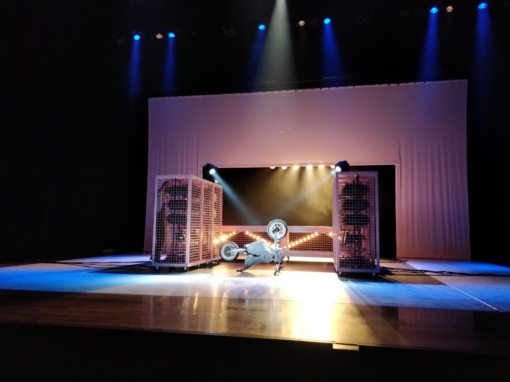 Dansvoorstelling : 155 - Motors